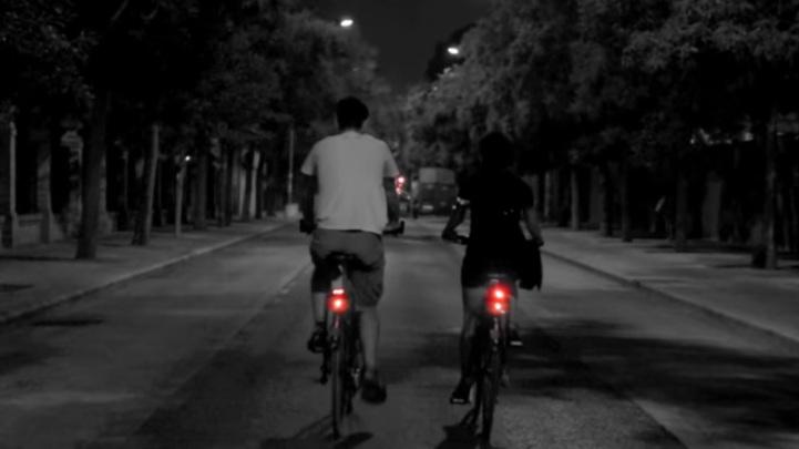 luces en bici por la noche en benidorm