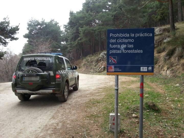 prohibido bicis en senderos