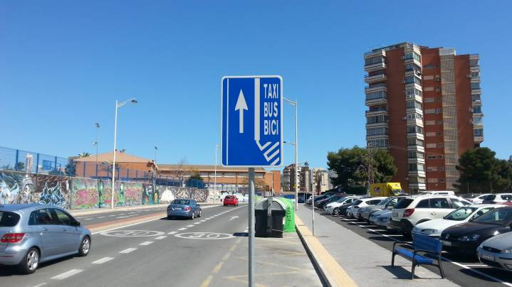 Señal carril taxi bus bici